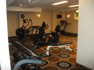 Best Western Chocolate Lake Hotel workout room
