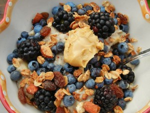 Oatmeal with banana, blackberries, and blueberries