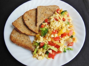 Egg scramble with toast